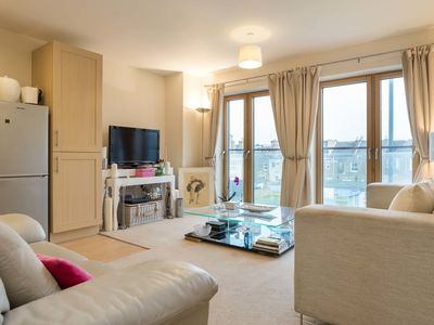 Photo for UP TO 20% OFF - Calming Kensal. - Two Bedroom Apartment, Sleeps 4 - Veeve