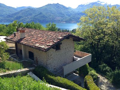 Photo for Charming independent stone cottage on Lake Como