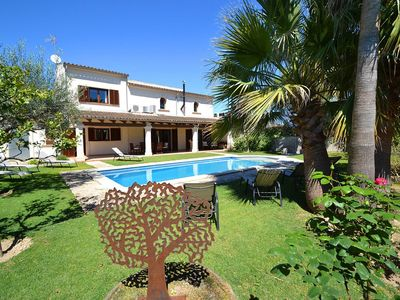 Photo for Luxurious villa with private pool, modern interior, centrally located