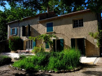 Photo for Typical Provençal house w/ swimming pool, 10min by foot to the center, 10 pple