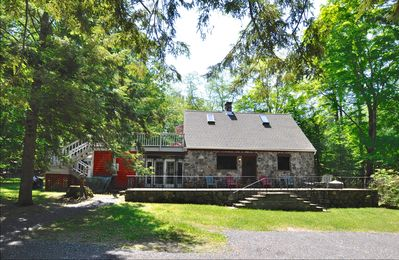 STONE COTTAGE 2 Pvt. Acres, Heated Pool, Tech, Sleeps 5 - 9, Opt Guest Cottage