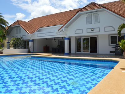 North of the island, 8 min from Thanyapura, Beautiful villa with swimming pool