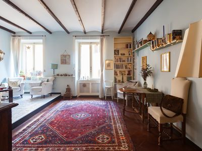 Photo for Charming Bright Trastevere Apartment