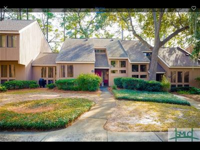 Golf course townhouse in The Landings, a gated luxury community