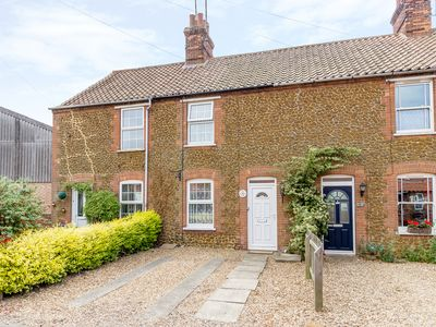 Photo for Penny Cottage, HEACHAM