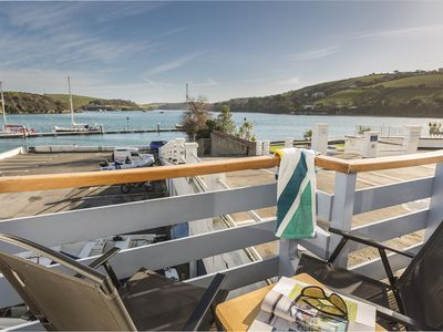 Photo for SPINNAKER COTTAGE, family friendly in Salcombe, Ref 995814