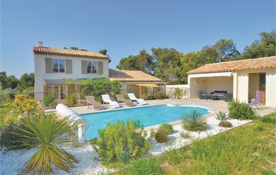 Photo for 4 bedroom accommodation in Eygalières