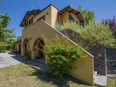 Photo for Wonderful private villa for 6 people with WIFI, TV, pets allowed and parking, close to Viareggio