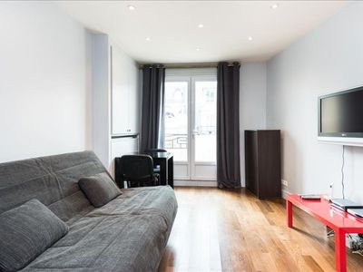 Photo for Chaillot apartment in 16ème - Bois de Boulogne - Trocadero with WiFi, balcony & lift.