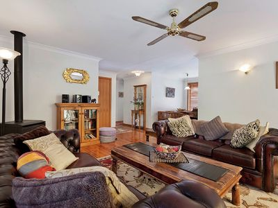 Photo for Leura Bungalow - Two Bedroom Cottage, Sleeps 4