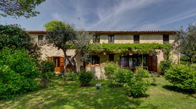Photo for Beautiful 'Cottage' near Montefalco