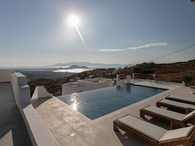 Photo for Luxurious Villa Infinity at Naxos Skyline