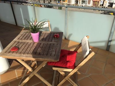 Photo for Sunny & large terrace in couzy Apartment big connection internet free