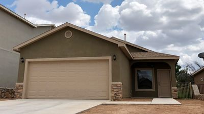 Photo for Super Cute East Mesa Home.    Internet & TV Included.