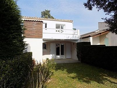 Photo for Villa Saint-Palais-sur-Mer, 2 bedrooms, 4 persons