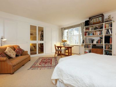 Photo for 2 bed flat by Maida Vale Tube & shops