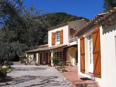 Photo for Provencal Style Villa with pool, Provence-Cote d'Azur region