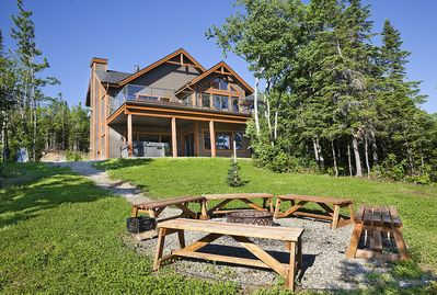 Phenomenal Mirador Is A Beautiful Four Season Vacation Rental In Quebec A 4 Stars Cottage Charlevoix Regional County Municipality Home Interior And Landscaping Analalmasignezvosmurscom