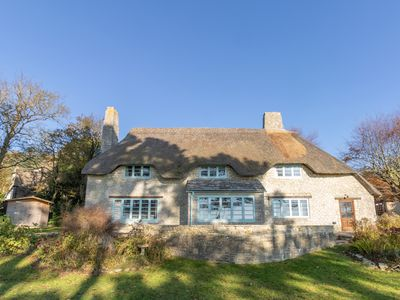Photo for Staddles Cottage, SUTTON POYNTZ