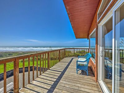 Photo for Oceanfront 'Clam Beach House' w/Views & Hot Tub!