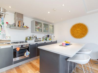 Photo for Central & Secure 2BR 2Bath flat minutes from the London Eye!