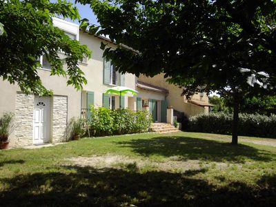 Photo for Air-conditioned village house 10 minutes from Avignon