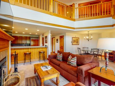Photo for Calm ski-in/ski-out condo w/ wood-burning fireplace & shared pool and hot tubs