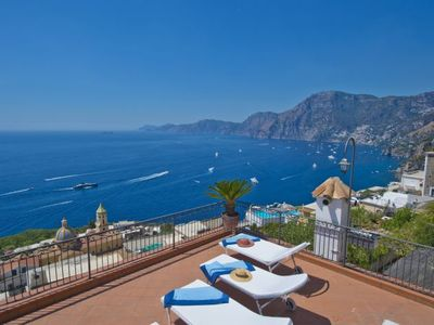 Photo for 3 bedroom Villa, sleeps 6 with Air Con, FREE WiFi and Walk to Shops