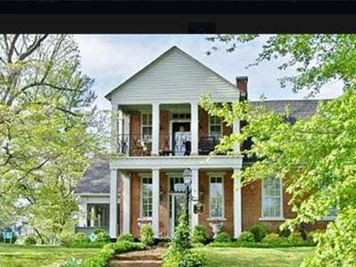 Stagecoach on the National Register of Historic Homes, 40 minutes to Nashville