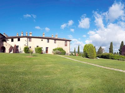Photo for Apartment in San Gimignano with Parking, Internet, Air conditioning, Pool (126093)