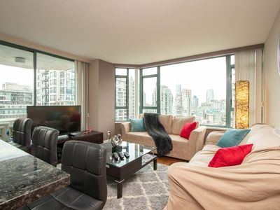 Photo for Prime Yaletown Condo 2 bed+2 bath