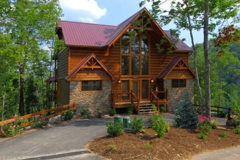 Luxury meets the mountains 4 full suite be vrbo for Luxury pet friendly cabins in gatlinburg tn
