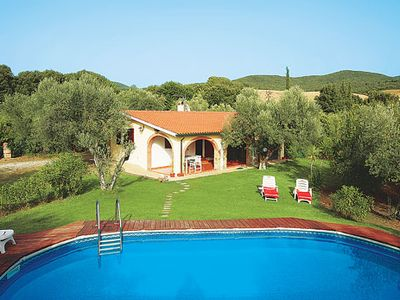 Photo for Country villa for peace & seclusion, with a town 20 minutes by car - the best of both worlds