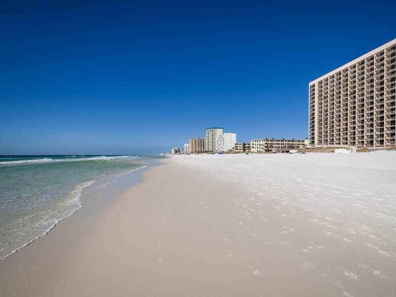 Sundestin 1bedroom unit 403 offering Gulf front views!