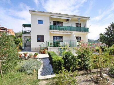 Photo for Apartments im Haus Banic Banjol, Rab  in Rab - 4 persons, 2 bedrooms