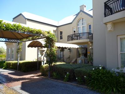 Photo for 2BR Apartment Vacation Rental in Franschhoek, Westkap