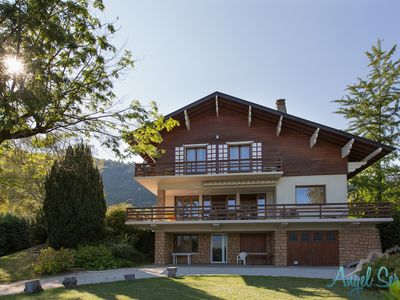 Photo for SEVRIER, House 250 m2, direct access to the lake, garden, exceptional view, boat loop 12 pers.