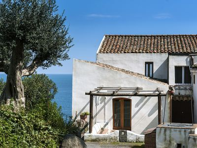 Photo for Farmhouse in coastal paradise, with Private access to the beach of Praiola
