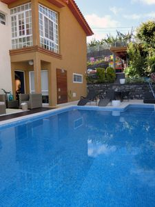 Photo for Family house with pool and superb sea views