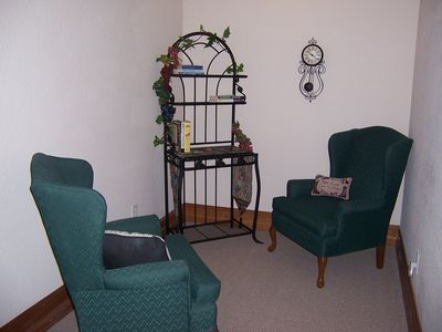 1 of two alcoves