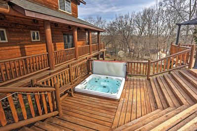 Look forward to unwinding in the community hot tub at 'Kings River Lodge North.'
