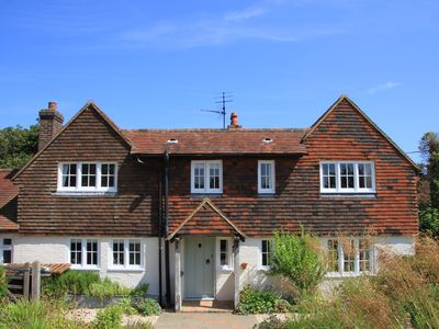 Photo for East Sussex Traditional Rural Country Cottage