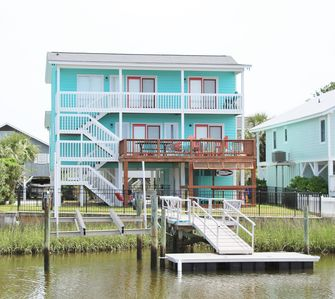 Photo for CONC 17, Step into this classy, modern canal home with a fun vacation in mind.