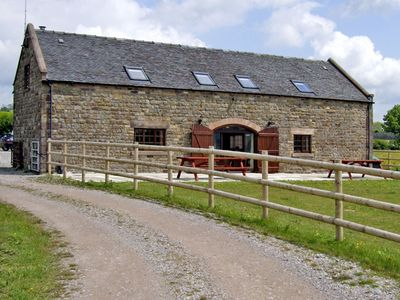 Photo for BOTTOMHOUSE BARN, family friendly, with hot tub in Ipstones, Ref 2586
