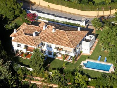 Photo for Apartment in beautiful villa with communal swimming pool.