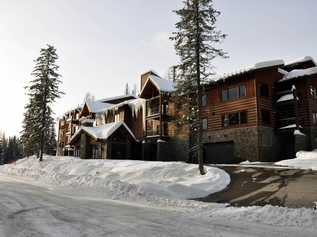 luxury 3+ bed 2 bath condo on whitefish mountain! kid & disabled