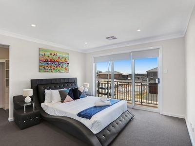 Photo for GLENFIELD VILLA 30 - SYDNEY New, 4Bdrm