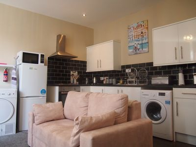 Ground Floor 2 Bedroom 2 Bathroom Apartment In Llandudno Llewellyn Avenue Llandudno