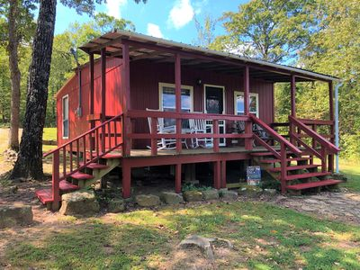 Ozark mountain views! Secluded cabin for relaxation & pet-friendly!