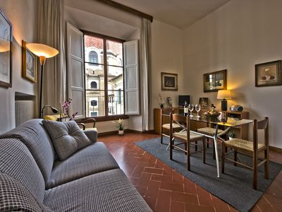 Very Central Apartment in a Noble 18th Century Building, with elevator and AC
